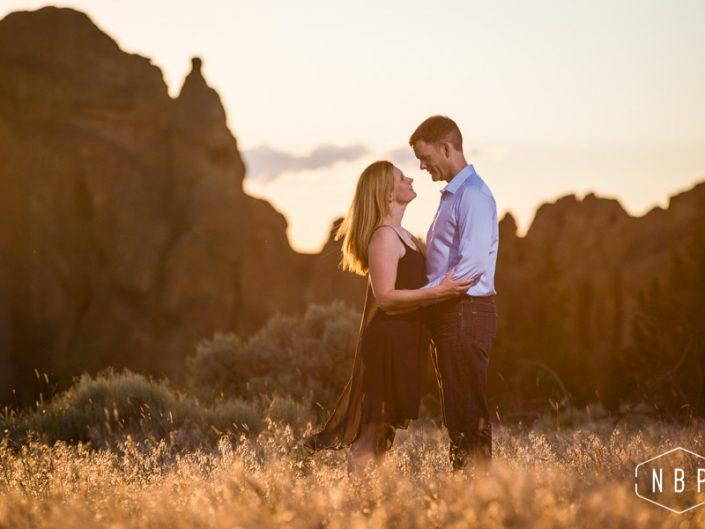 Kristin & Derek – Smith Rock Engagement Shoot