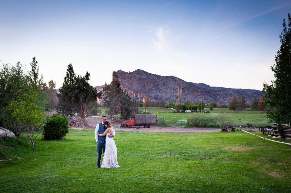 Smith Rock Wedding & DD Ranch Reception – Brooke & Bryan